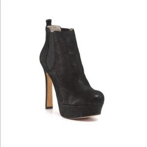 Vince Camuto Black Baileys Booties Size 8 New
